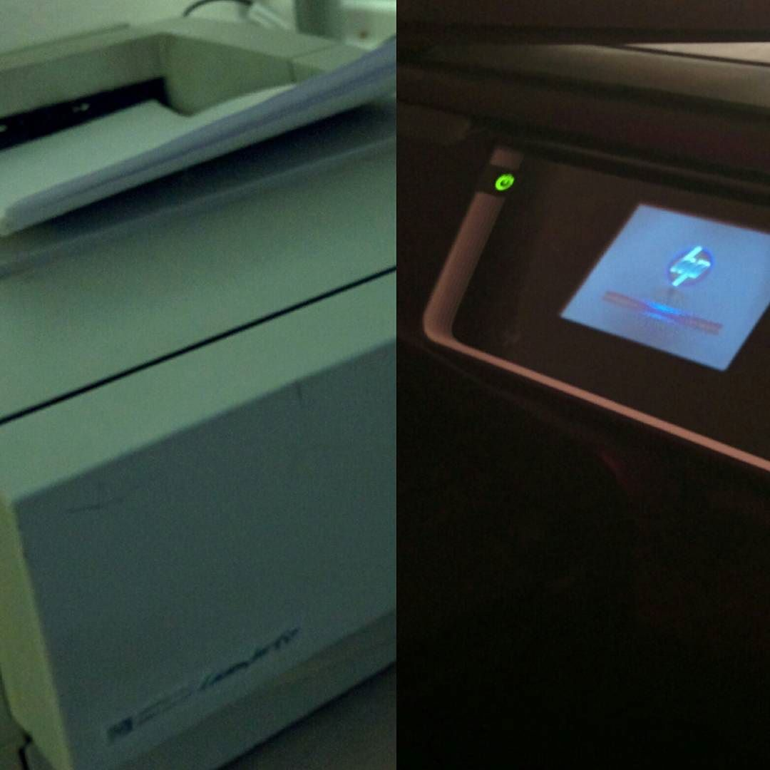 [Instagramfoto] Linkes Modell: bald 20 Jahre alt, LaserJet 6P und läuft und läuft und läuft. Rechtes Modell: moderner OfficeJet. Und meckert und meckert und ist bockig. Was eine Drucker-Evolution… #Printer #Drucker #OldButGold